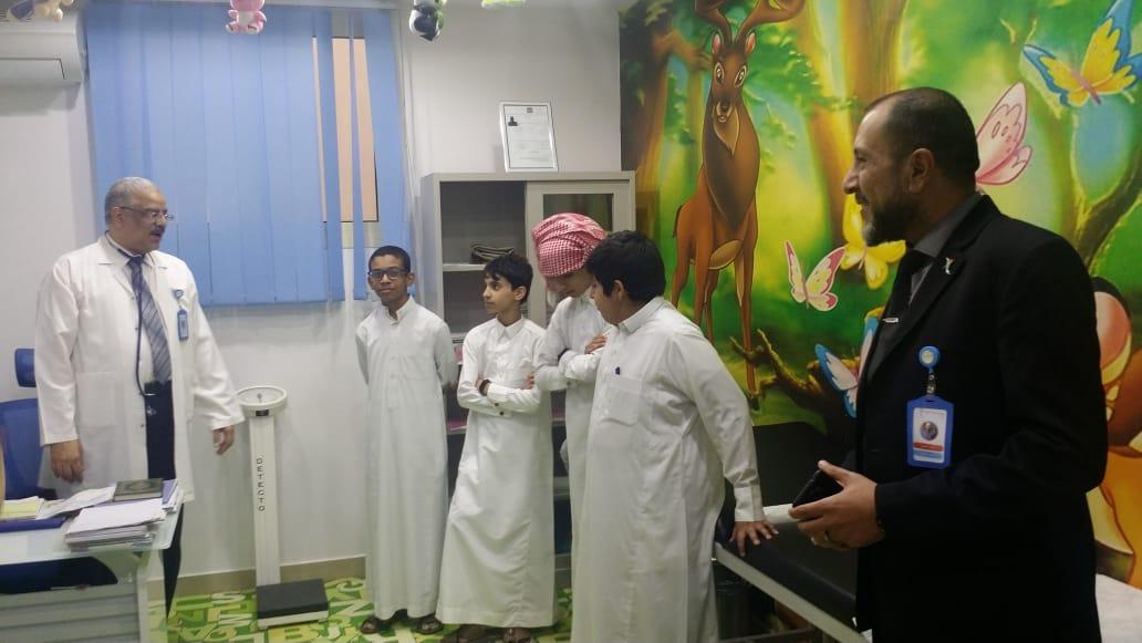 زيارة مجمع عيادات طبيبك